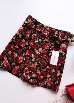 Шорти юбка висока посадка в принт рози stradivarius