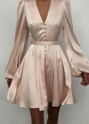 Красива коротка коктельна сукня