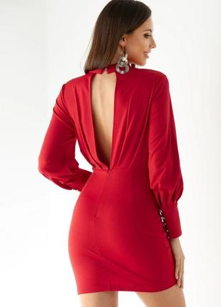 Красное мини платье с открытой спиной