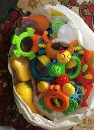 Пакет іграшок до року