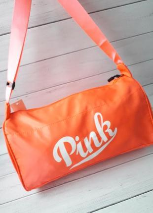 Яркая женская спортивная сумка