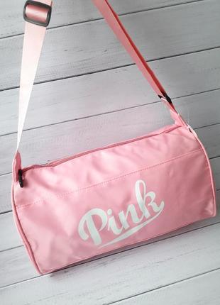 Небольшая женская спортивная сумка