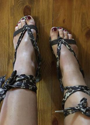 Крутые босоножки сандали гладиаторы h&m