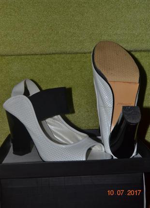 Туфли, босоножки из натуральной кожи stoalos.
