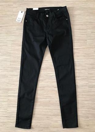 Новые (с этикеткой) черные джинсы скинни размер м, 38 (лучше s)