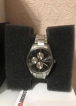 Часы наручные- daniel klein