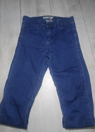 Актуальные джинсы скини, с подворотами topshop