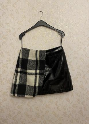 Лаковая шерстяная юбка