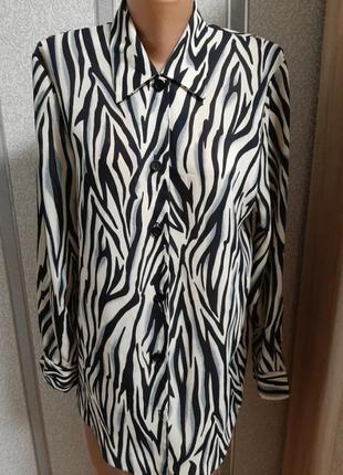 Блуза в актуальный принтhamells