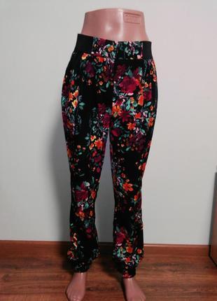 Штаны на манжете с цветочным принтом