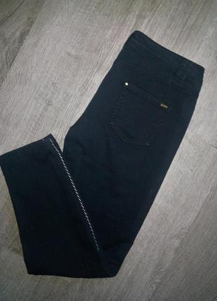 Стильные женские джинсы mango с полосками по бокам