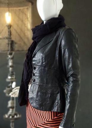 Boss hugo boss. куртка женская из натуральной кожи.