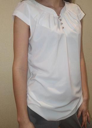 Женская блузка с коротким рукавом