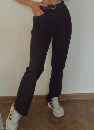 Прямые джинсы мои. чёрные джинсы. бойфренды. джинси мом. джинсы клёш