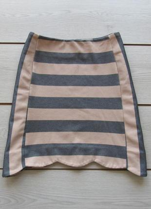 Акция! мини юбка в полоску трапециевидной формы с вырезом по краю подола от oasis