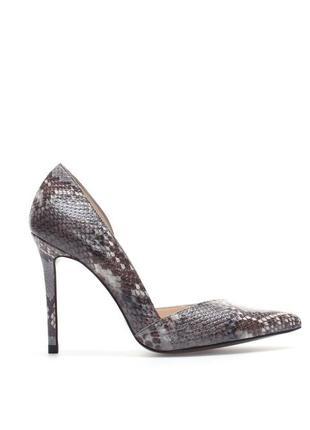 Кожанные туфли-лодочки под рептилтю,испания, zara,кожа 100%.