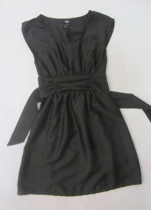 Легкое черное платье,фактурная ткань от h&m