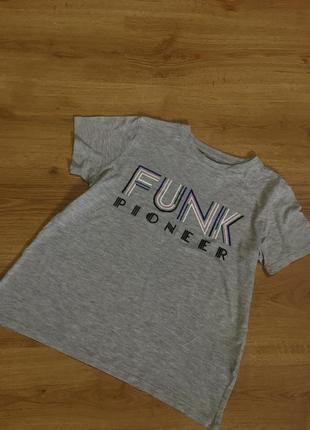 Новая классная футболка от крутого бренда