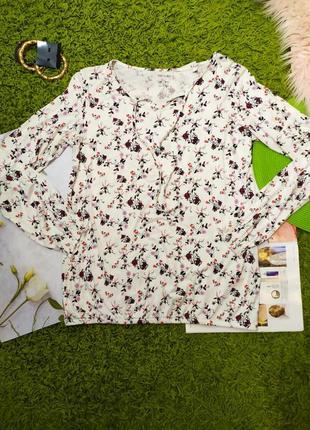 Біла блузка з квітковим принтом від esmara