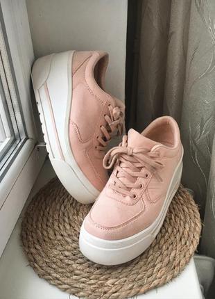 Замшевые стильные кроссовки berhka