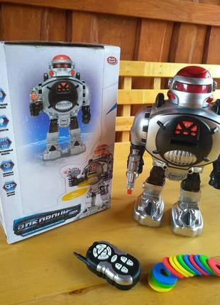 """Робот """"космічний воїн"""" з радіоуправлінням"""