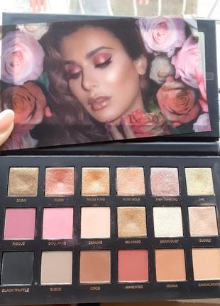Оригинал палетка тени huda beauty rose gold remastered