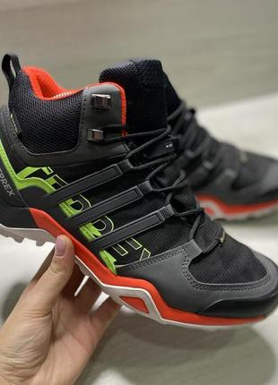Оригінальні чоловічі кросівки adidas terrex goretex