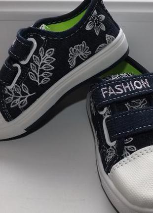 Нове взуття,мокасіни для дівчинки gap fashion 30,31розміри