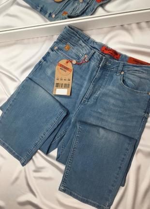 Новые классические джинсы размер м