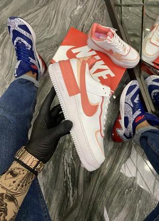 Кроссовки оранжевые белые персиковые женские стильные(nike air force 1 shadow whiteorange)