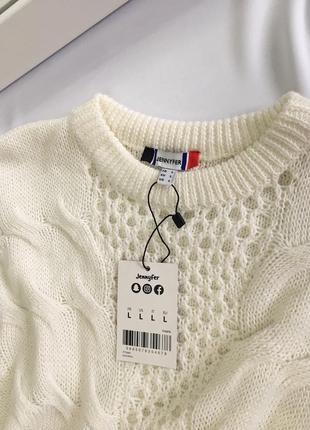 Нежный свитер размер m-l