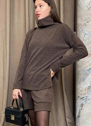 Теплый костюм шорты свитер ангора