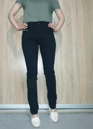 Утеплённые теплые плотные мягкие джинсы с хлопковым начесом на завышенной посадке