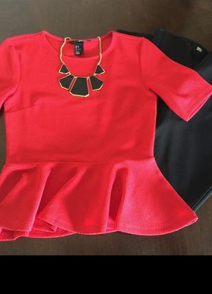 Красивая  фактурная блуза с баской
