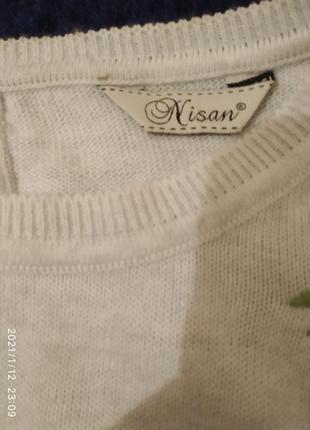 Нежный свитер в розах3 фото