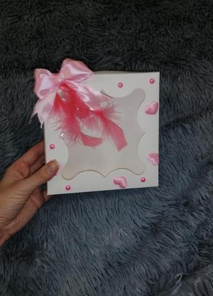Подарочная коробка с жемчугом и перьями ручная работа