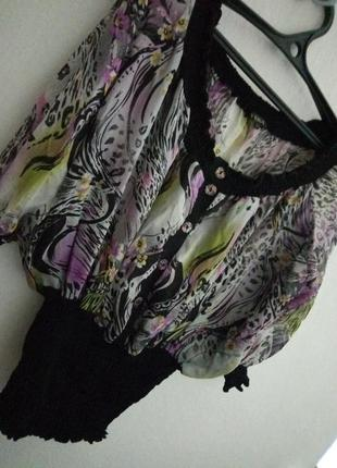 Шелковая блузка в цветочный принт