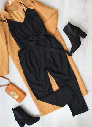 В наличии стильний брючний комбінезон чорного кольору stradivarius