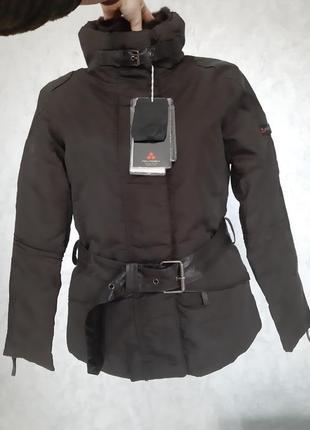 Отличного качества куртка, наполнитель гусиный пух 100%