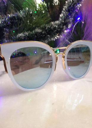Эффектные,зеркальные солнцезащитные очки. торг.