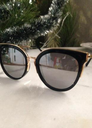 Элегантные,зеркальные солнцезащитные очки.торг.
