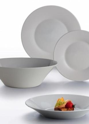 Набор столовой посуды серой