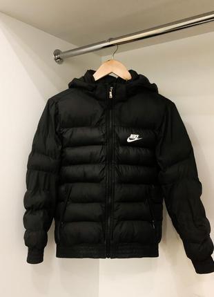 Чёрная демисезонная осенняя весенняя куртка nike оригинал на манжетах резинках
