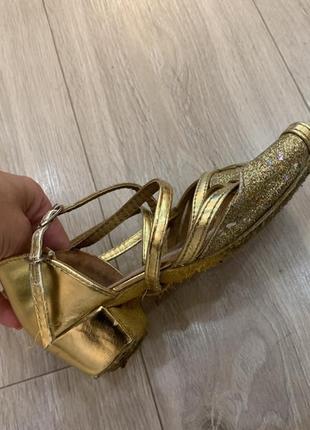 Золотистые танцевальные туфли, туфли для танцев