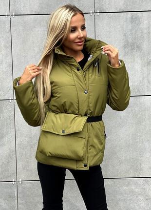 Женская куртка с поясной сумкой