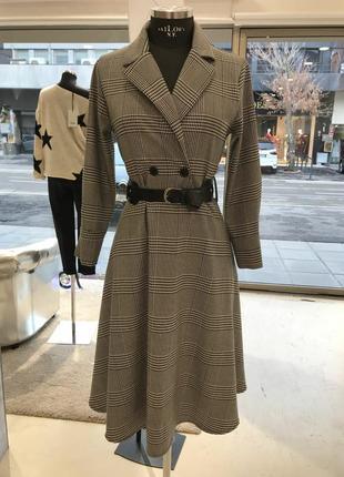 Итальянское стильное платье бренда joleen. новое
