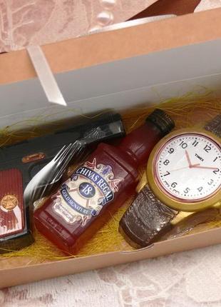 Набор мыла для мужчин джеймс бонд , виски, часы, пистолет