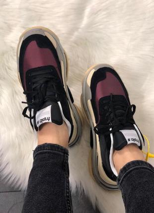 Женские бардовые чёрные стильные кроссовки(triple s v2 black burgundy)2 фото
