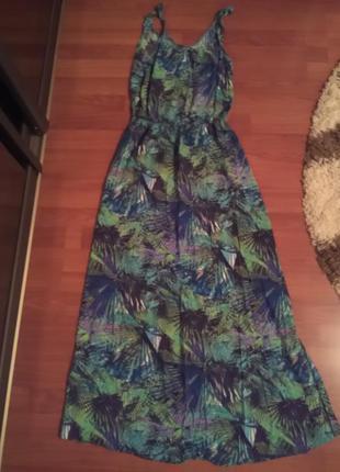 Длинное в пол платье с принтом