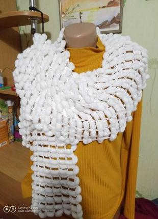 Распродажа!!! шарф плюшевый, махровый-помпонная пряжа-ручная работа- не ношен.